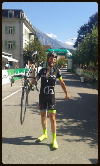 Matthias als erfolgreicher Alpenbrevet-Finisher in 2015 - haberich cycling crew